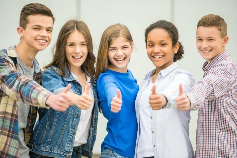 élèves heureux